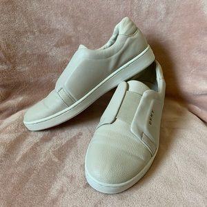 Sneakers 👟 DKNY